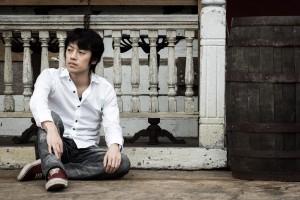 www-pakutaso-com-shared-img-thumb-tsuyoshi-2